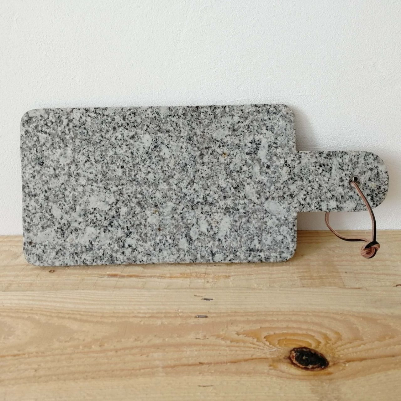 planche d couper en granit. Black Bedroom Furniture Sets. Home Design Ideas